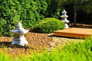 композиция из хвойников, высадка хвойных кустарников и деревьев, японский сад, ландшафтный дизайн в Мелитополе
