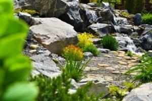 природные водопады, строительство лучших водопадов и фонтаны в Мелитополе, водопад и горы, ландшафтный дизайн
