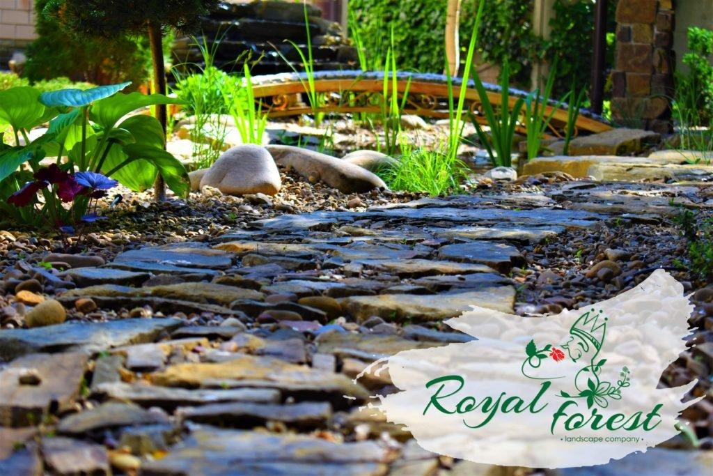 природный камень в саду, выбрать природный камень, ландшафтный дизайн Мелитополь, ландшафтный дизайн