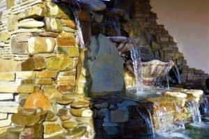 водопад в саду, построим водопад для вашей семьи, сад водопад, ландшафтный дизайн
