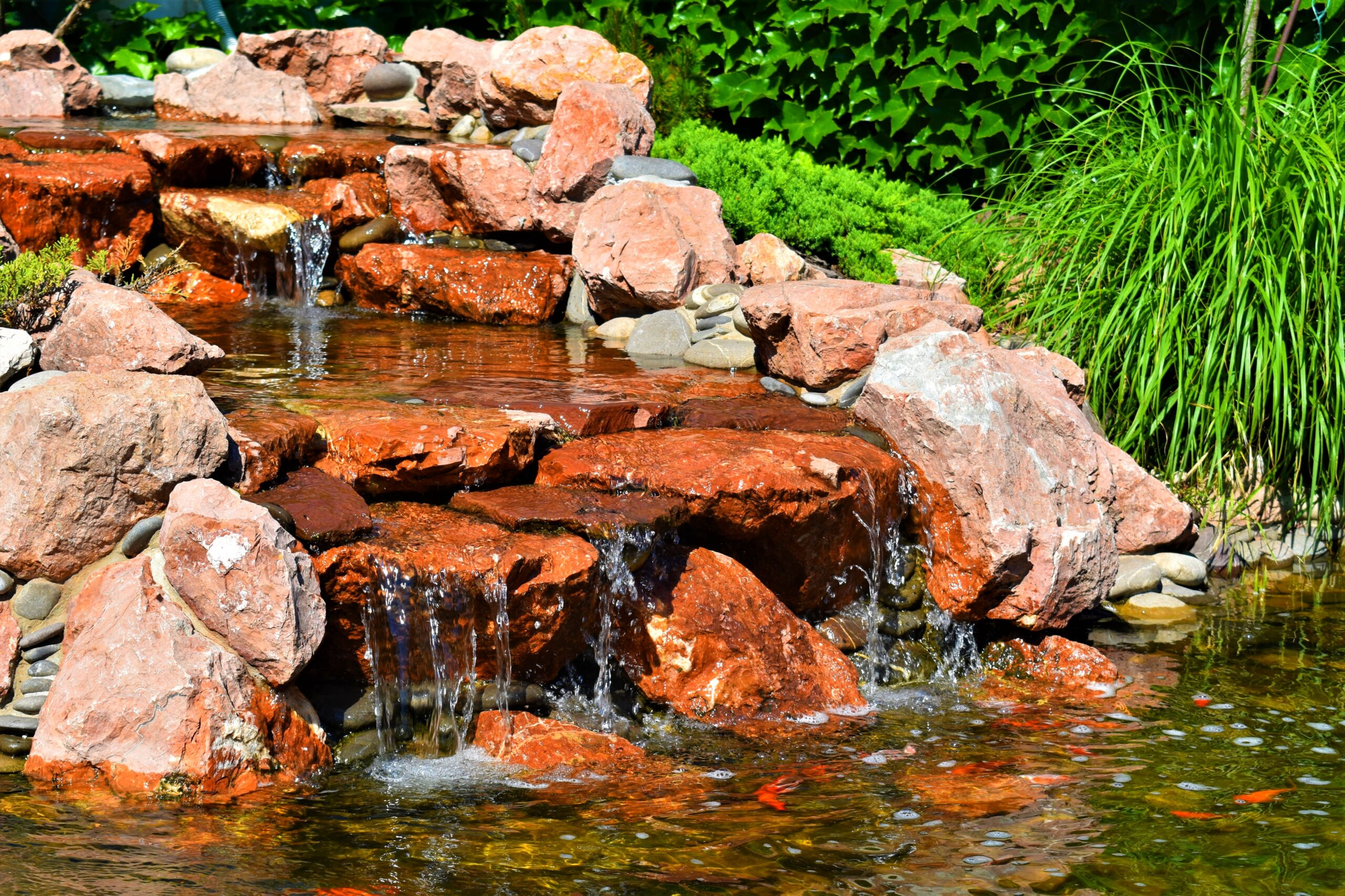 Декоративный водопад в Киеве, создания декоративного водопада в Киеве, строительство декоративного водопада в Киеве